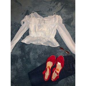 white e.ssue blouse